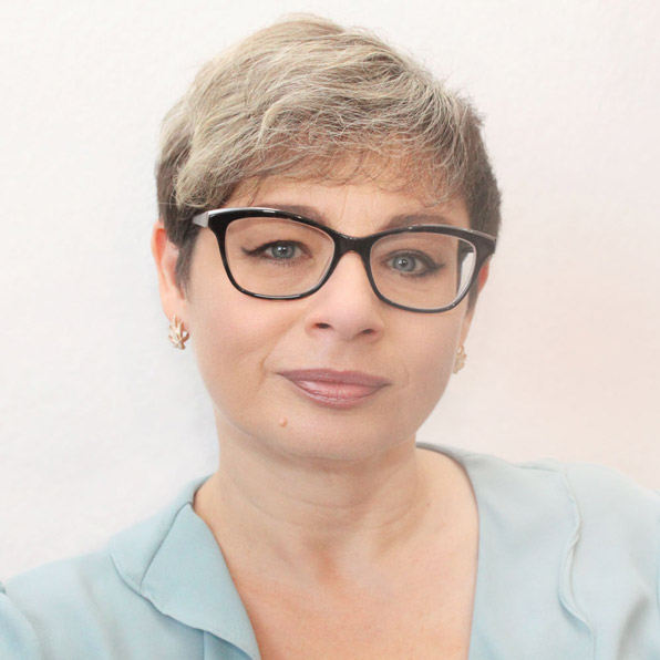 Svetlana Rakhman, studierte Ärztin und geprüfte Übersetzerin von medizinischen Dokumenten auf Deutsch und Russisch